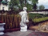 Скульптура девушка